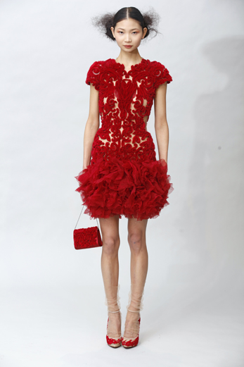 fall 2011 fashion trend red marchesa1